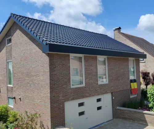 Renoveren van dak & oversteken te Nederhasselt.